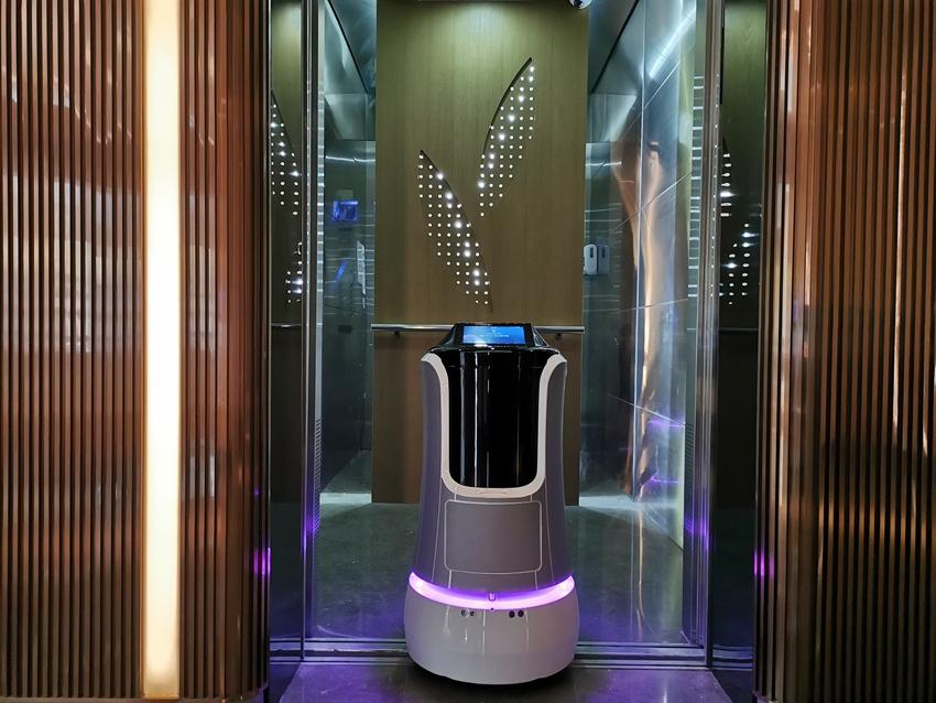 杭州东站智选假日酒店机器应用