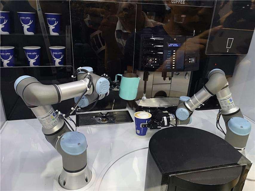 咖啡制作机械臂